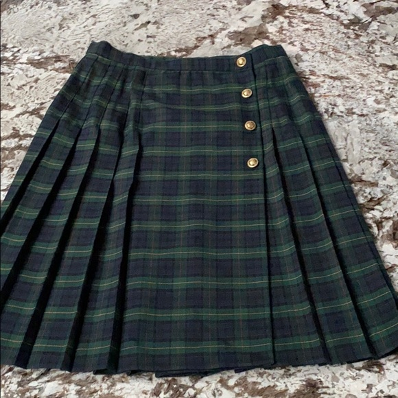 Immaculately maintained green tartan A-frame skirt